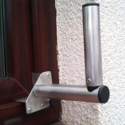 Antennenhalterung zur Fenstermontage aus Aluminium